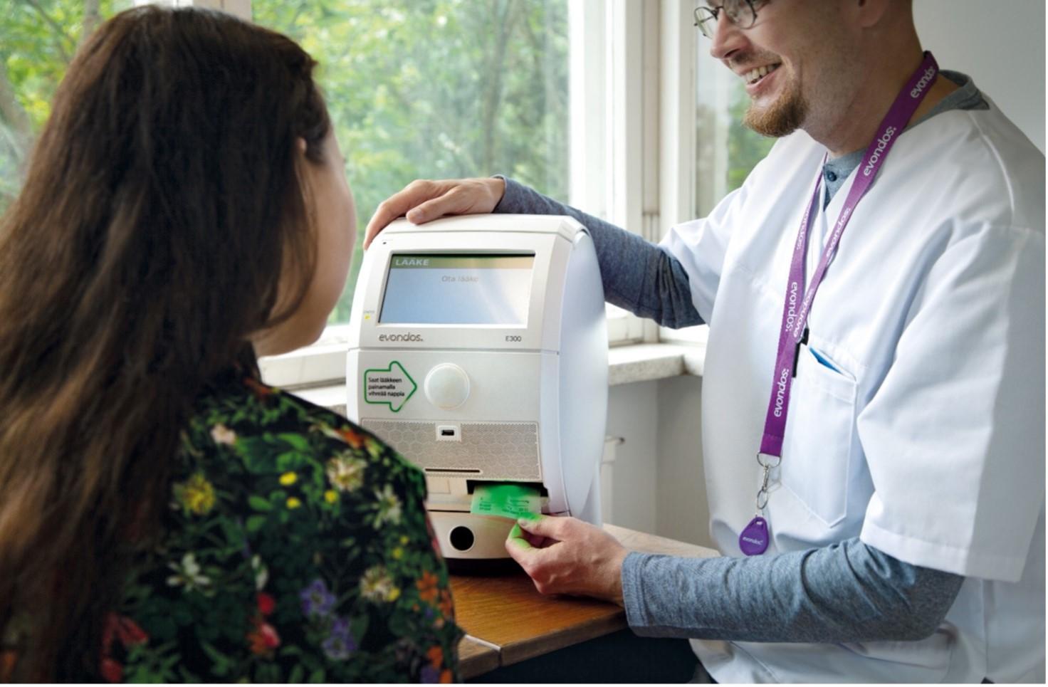 Evondos Oy:n lääkeautomaatin käyttö on helppoa
